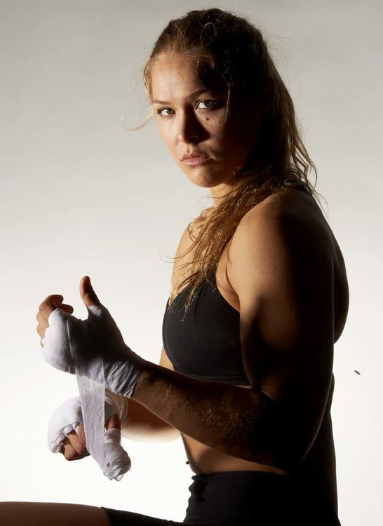 Ronda-Rousey-64.thumb.jpg.952ee6e63eafab809e41bc6d0e898820.jpg